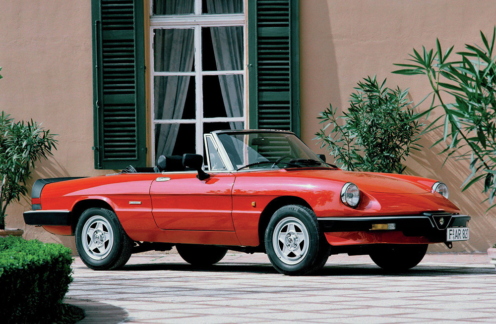 1994-alfa-romeo-spider-passenger-side-view